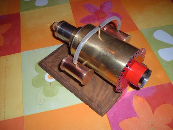 Thermoacoustic engine