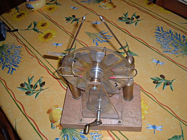 WIMSHURST's electrostatic machine